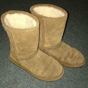 Gently Used BearPaw Boots!
